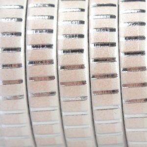 Wit Plat leer wit zilver stripes 5x1.5mm - prijs per cm