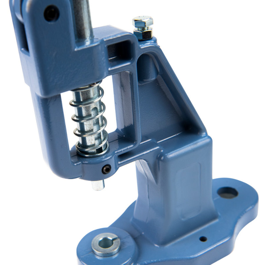 Handpers zeilringen en drukknopen monteren
