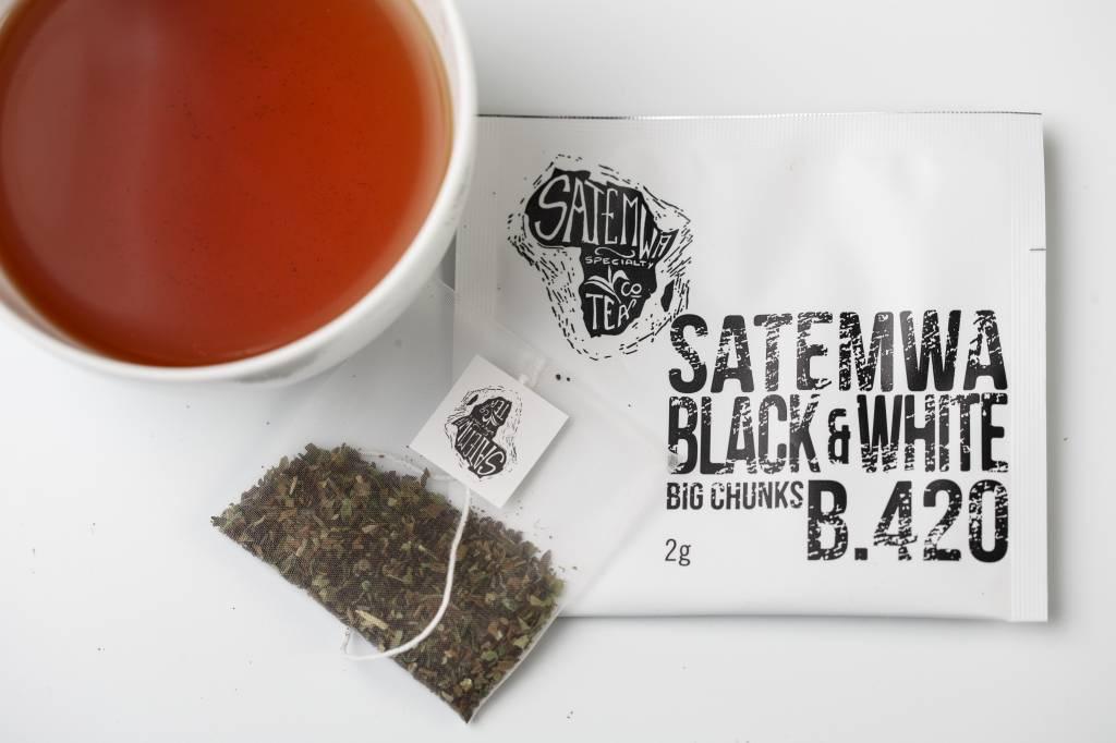Satemwa B. 420 Satemwa Black & White Theebuiltjes 12 x 2g