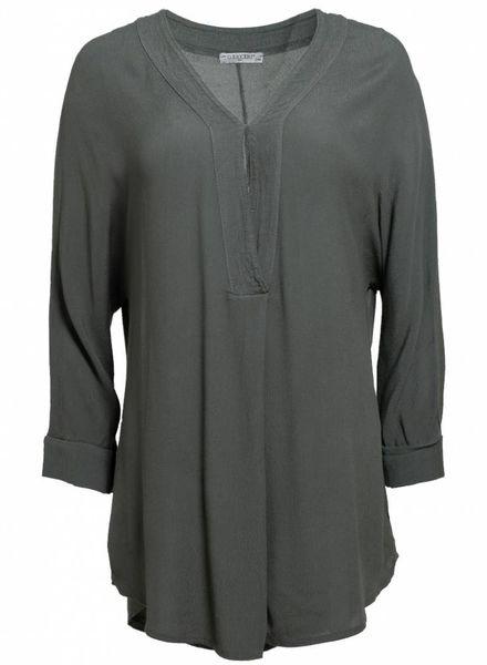 Gemma Ricceri Shirt basic v- hals Kim groen
