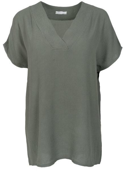 Gemma Ricceri Shirt v-hals Macy groen