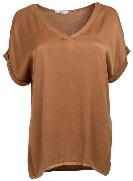 Gemma Ricceri Shirt silk touch v-hals camel