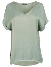 Gemma Ricceri Shirt lichtgroen silk touch v hals