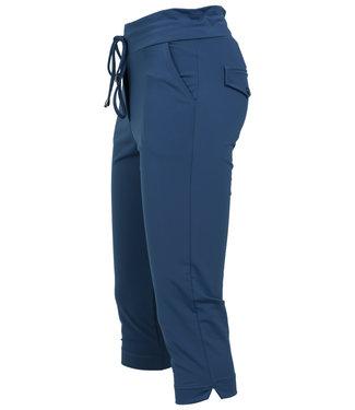 Vera Jo Capri jeansblauw travelstof Novi
