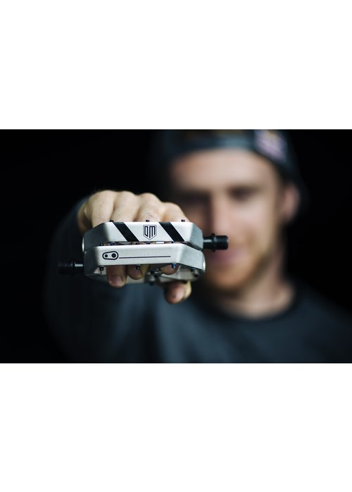 CrankBrothers Crank Brothers Stamp 3 Danny MacAskill Silver Edition