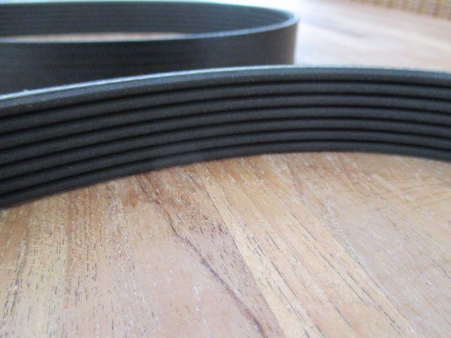 ERR5579 | Alternator Belt - V8 EFI