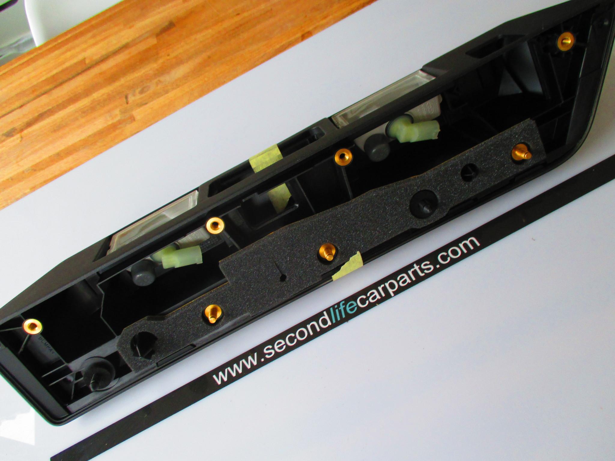 LR023298  Handle - Tailgate