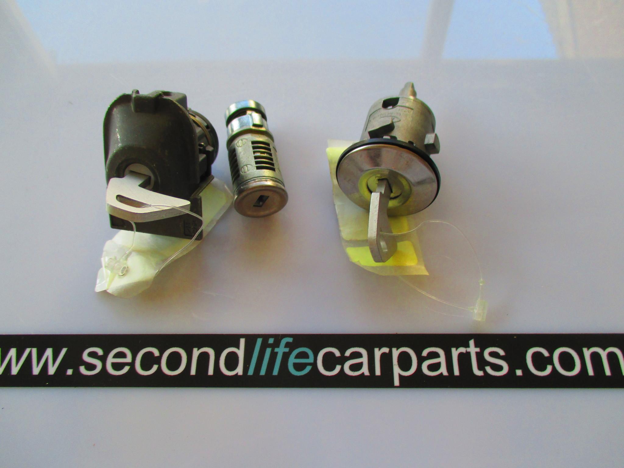 C2P25094  Lock set
