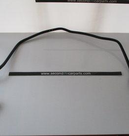 LR048198  Hose  Vacuum