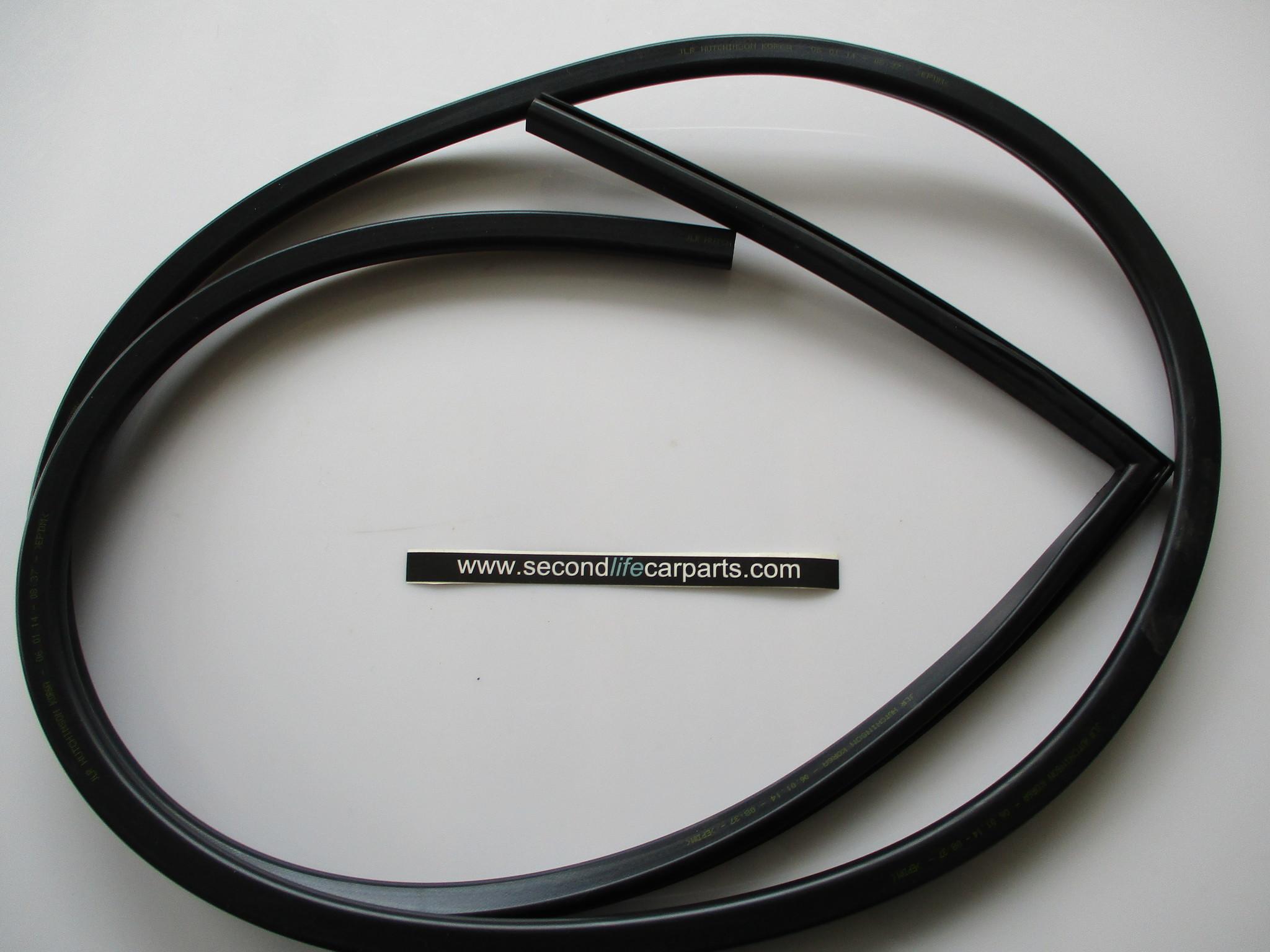 rubber bovenzijde zijpaneel rh LR053841