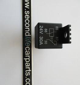 Relais 24V 30A 4 polig aan/uit
