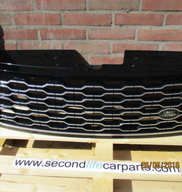 LR098080  GRILLE IN BLACK AND SILVER