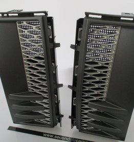 LR023230   LR023229  Grille - Air Inlet