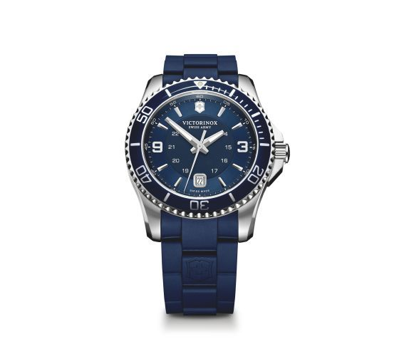 Victorinox Victorinox Maverick Large Quartz 43mm,  blauwe wijzerplaat met rubberen band