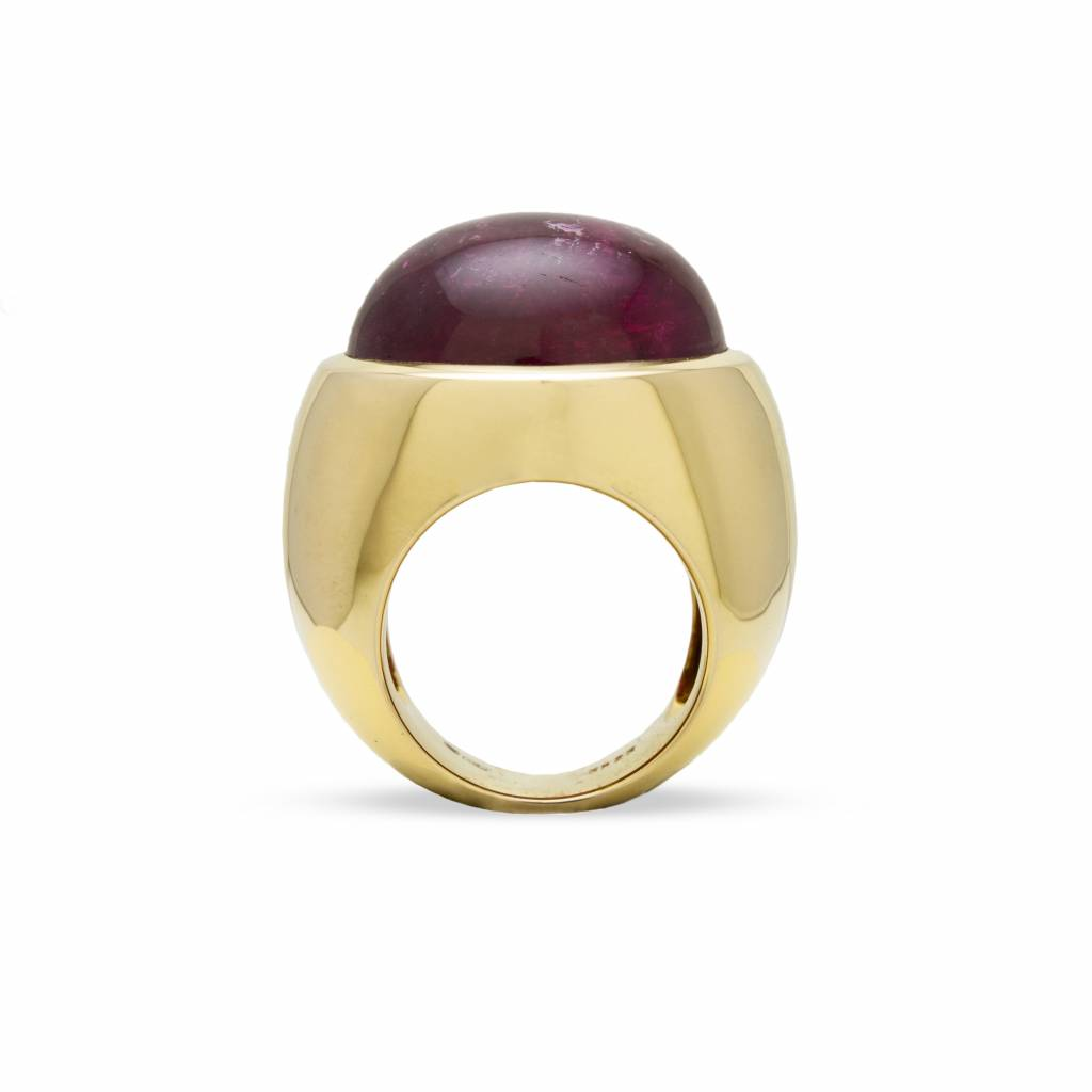 Private Label CvdK Private Label CvdK 18 kt. gouden ring met cabouchon geslepen rubeliet  36.23 ct.