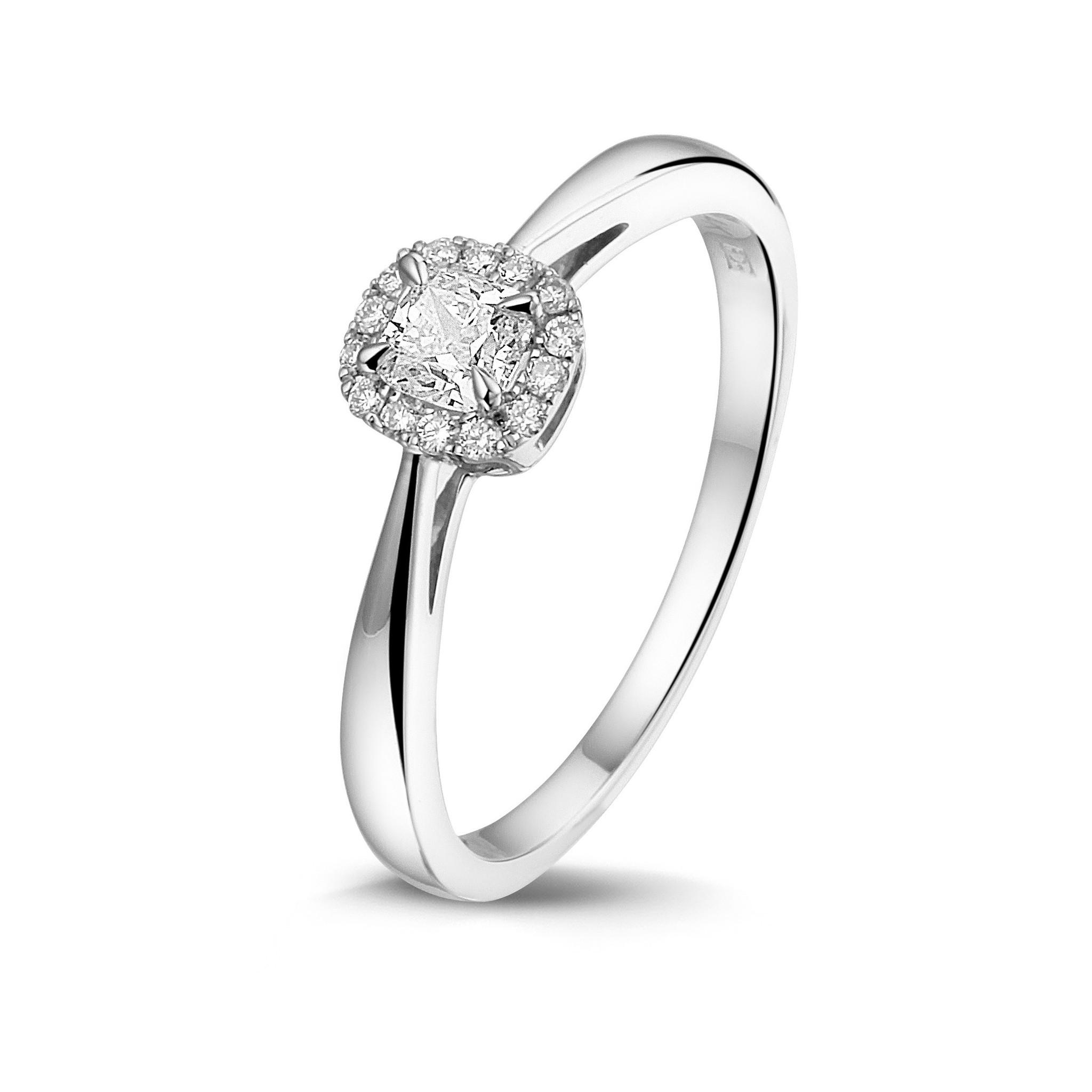 PAS Een 14kt. Witgouden entourage ring met cushion diamant van 0,25ct. en 14 briljanten 0,07 ct.  Wesselton/SI