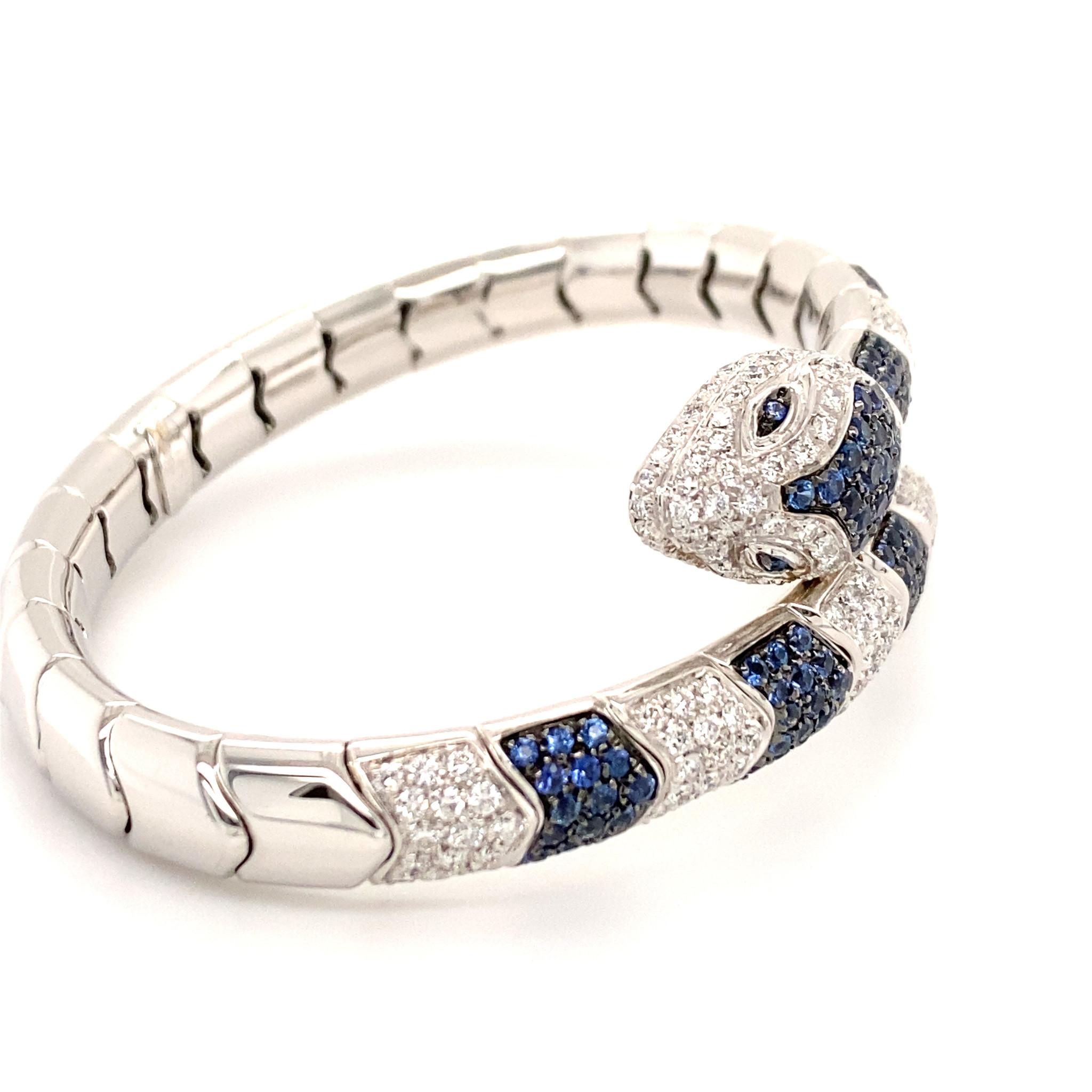 Leo Pizzo Leo Pizzo Animalia 18 krt. witgouden slangarmband pavé gezet met blauwe saffier en witte diamant