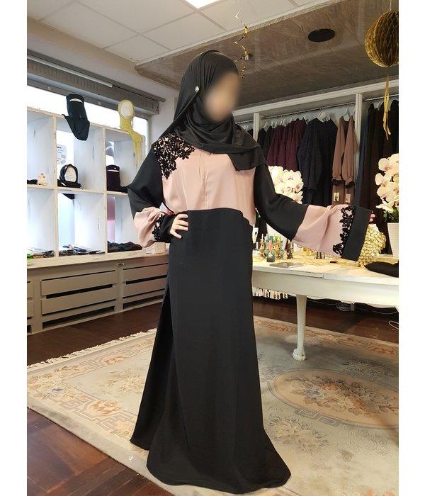 Dorra Deluxe Abaya