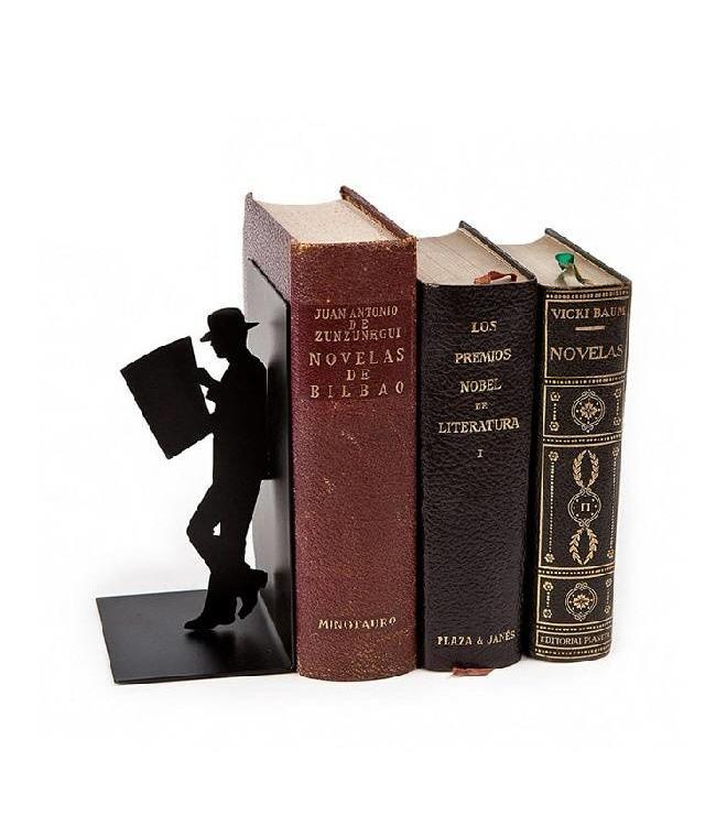 Boekensteun Lezende man
