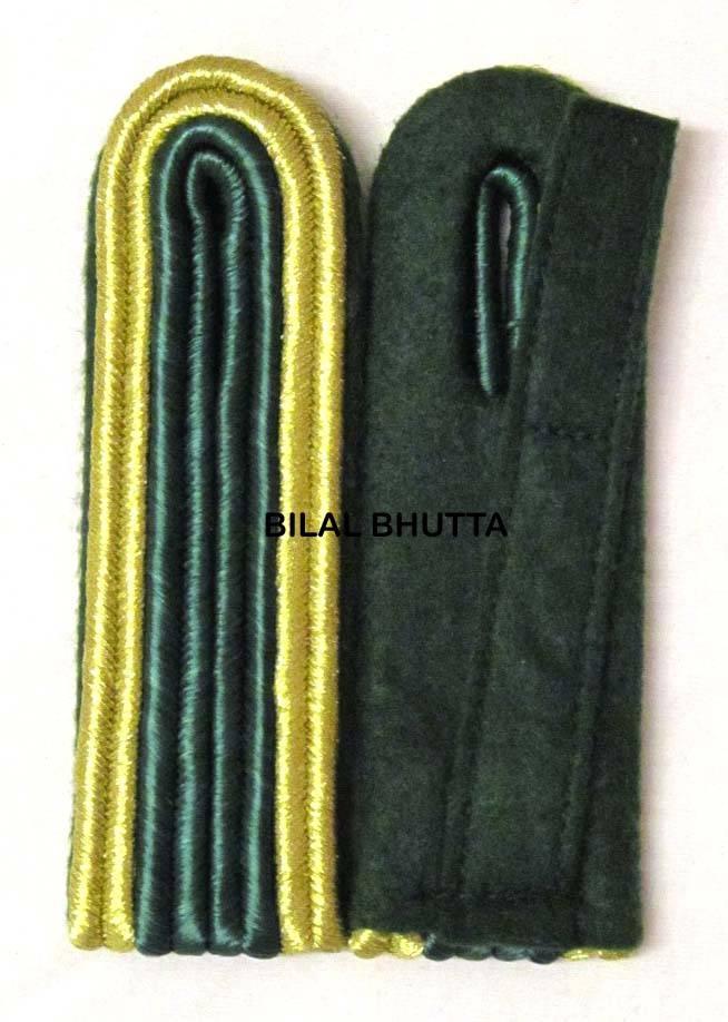 4-streifige Schulterstücke in gold/grün für Unteroffizier