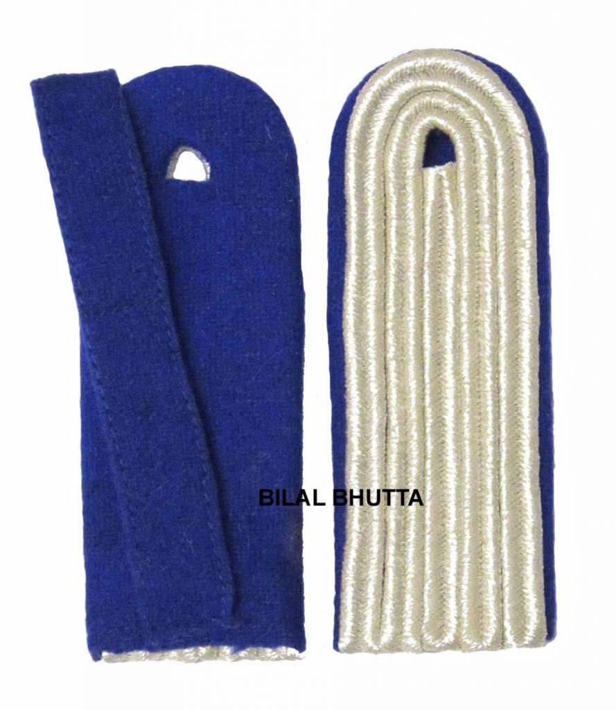 5-streifige Schulterstücke in silberfarbig
