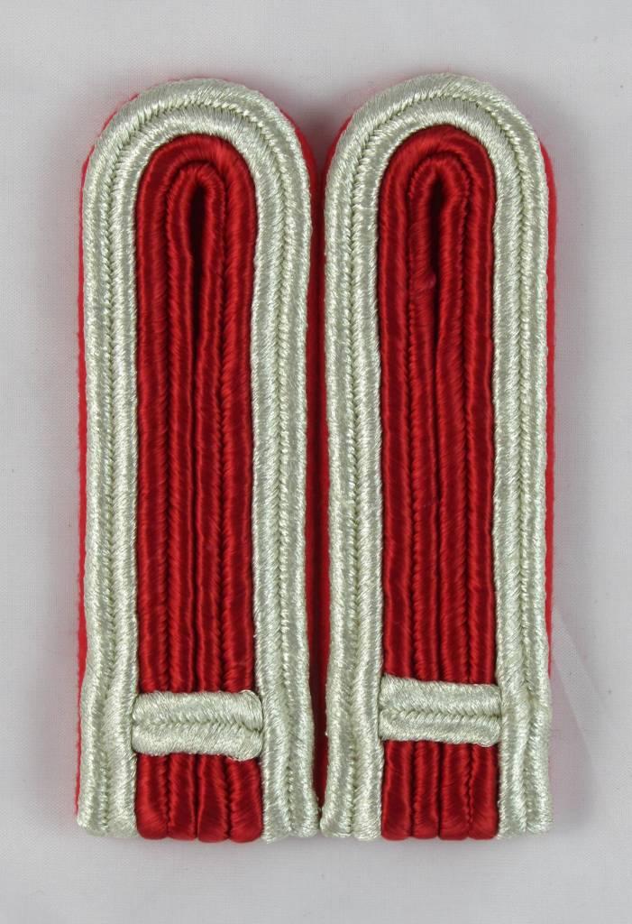 4-streifige Schulterstücke in silber-rot für Feldwebel