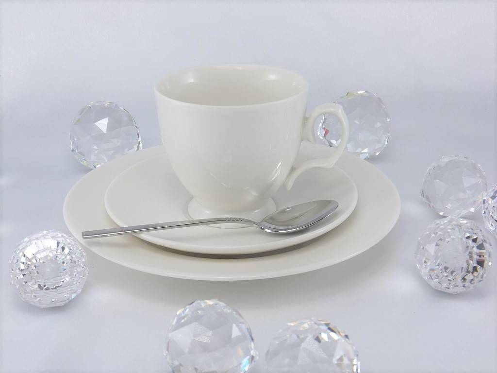 MariaPaula - Ecru - cup and saucer in 3 sizes