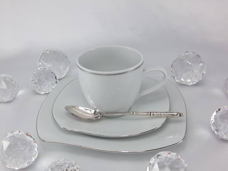 Marie - Christine - porcelain line with platinum rim.