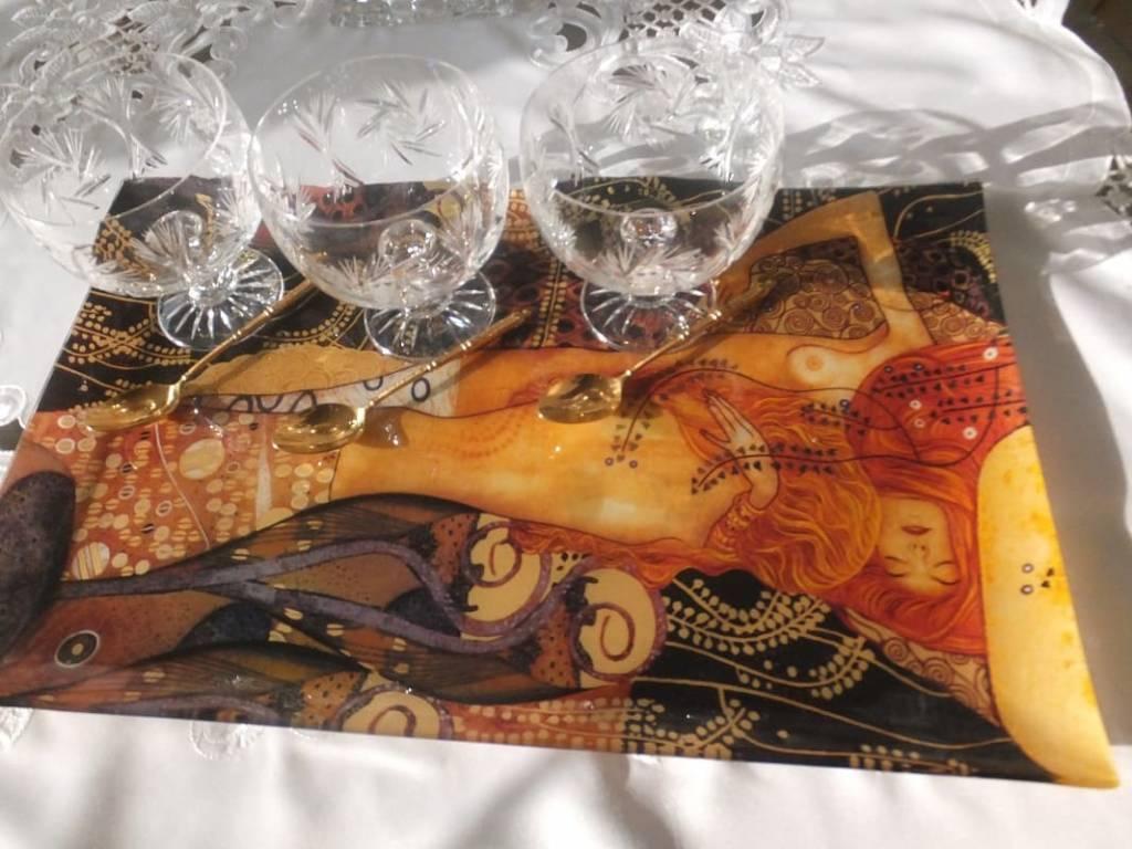 Glasteller, Servierplatten , Platzteller, Vasen und Schalen  aus Glas.
