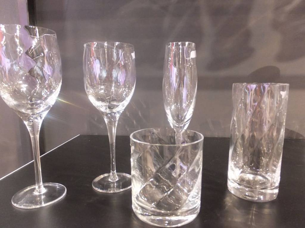 KROSNO 1923 Celebrity - Trinkglasserie mit Weinkaraffe  , Krug,Schüssel und Blumenvase