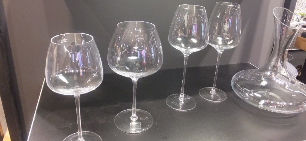 Glass - drinking glasses - wine glasses, goblets, carafes and more ...
