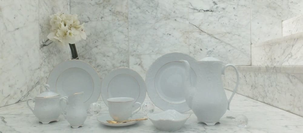 Marie - Luise - elegant porcelain line in plain white with gold rim