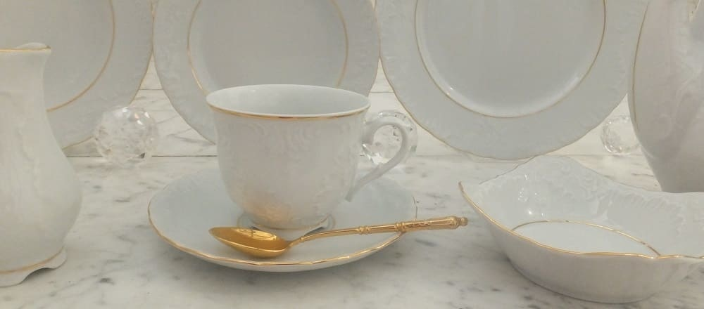 Marie - Luise - porcelain collection in white or white / gold for elegant hotels and restaurants.