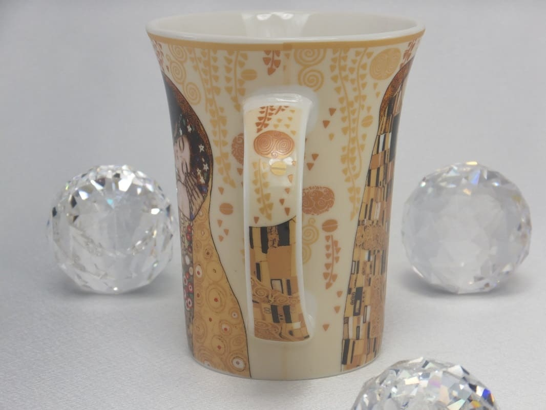 CARMANI - 1990 Gustav Klimt - The Kiss in Ecru Coffee Mug X