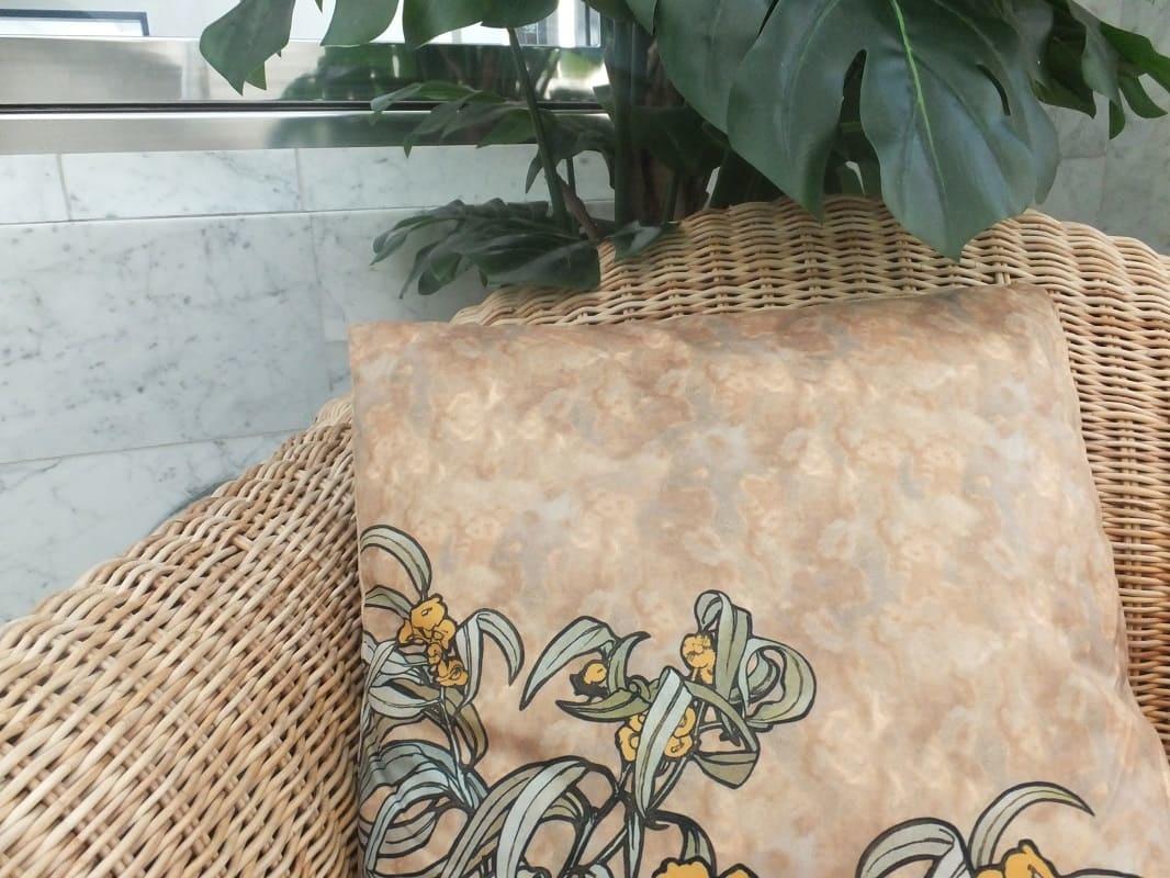 CARMANI - 1990 Alfons Mucha - Precious Stones - Emerald - Microfibre cushion