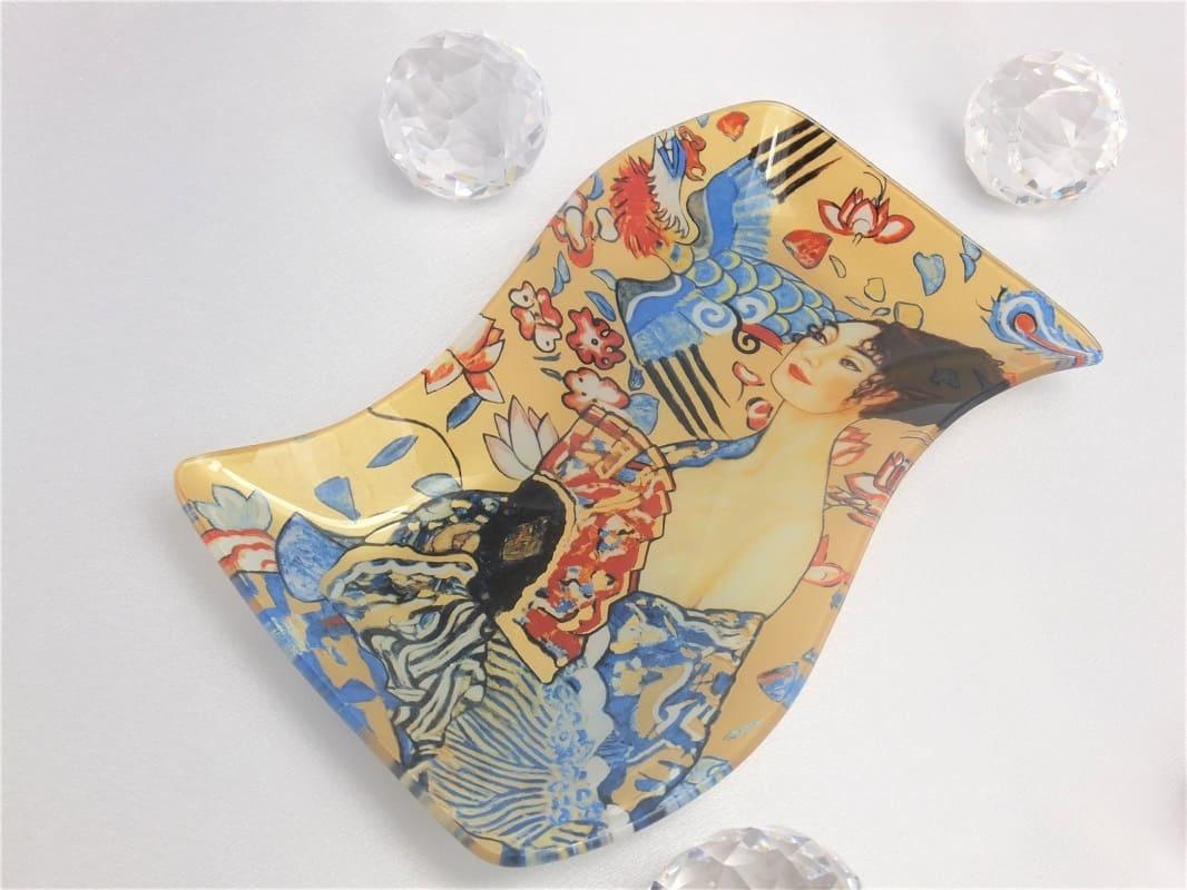 CARMANI - 1990 Gustav Klimt - Glasteller -S-Form - Die Dame mit dem Fächer  23 x 15 cm