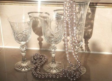 DRINKING GLASSES IN CRYSTAL