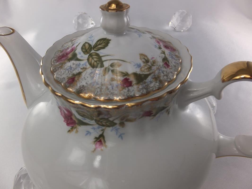 CHODZIEZ 1852 Marie Rose teapot with gold rim
