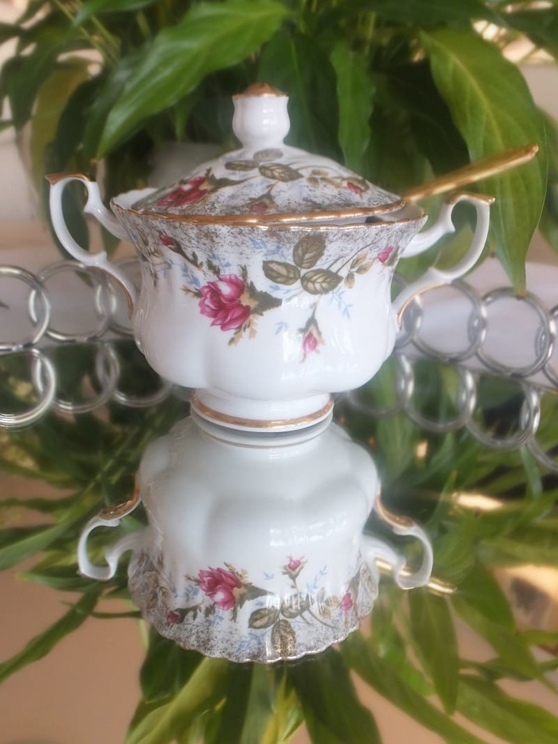 CHODZIEZ 1852 Marie - Rose sugar bowl with gold rim