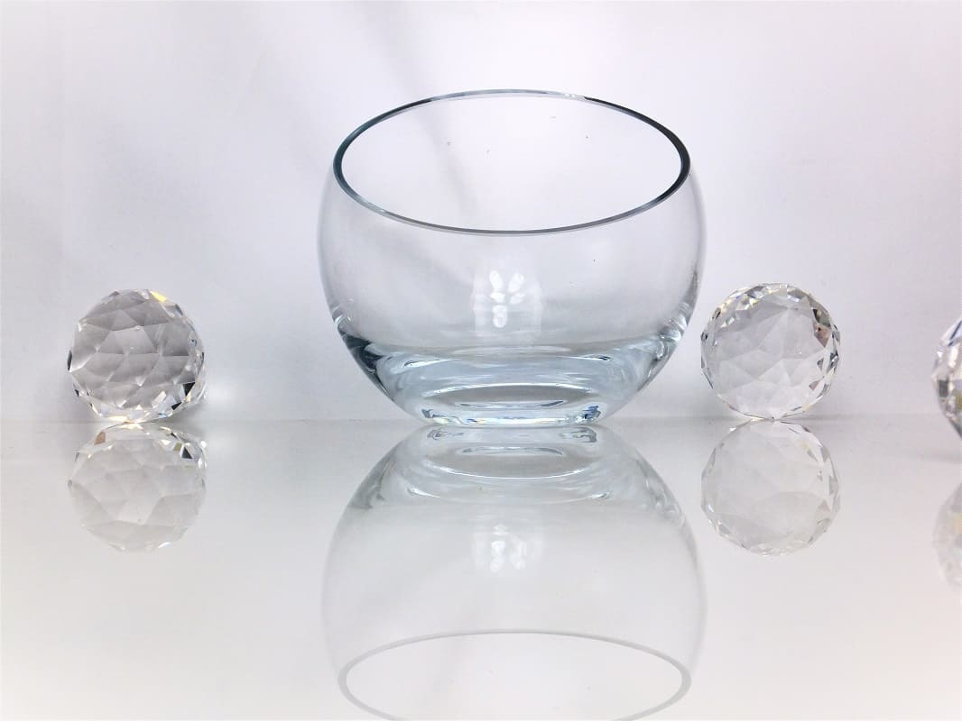 Bowl of glass