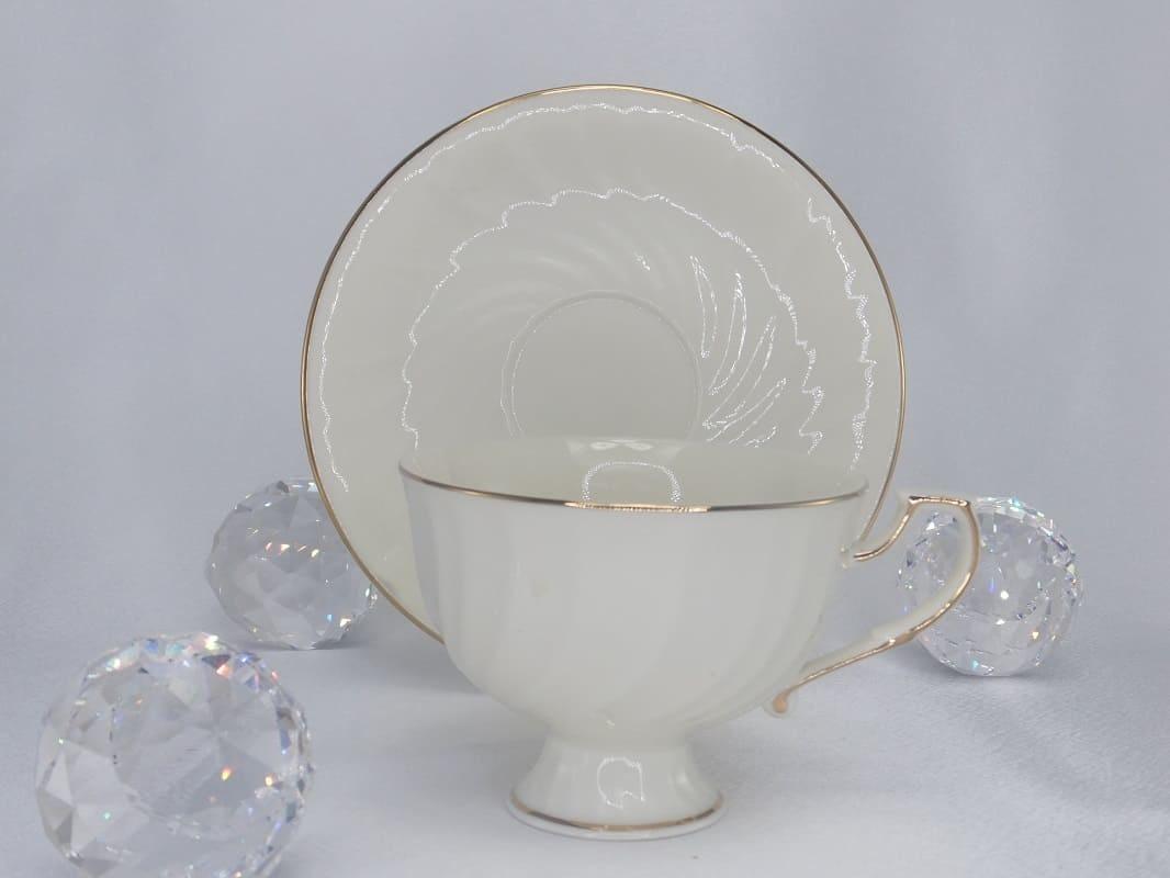 CARMANI - 1990 Tea Cup - Single Set White / Gold