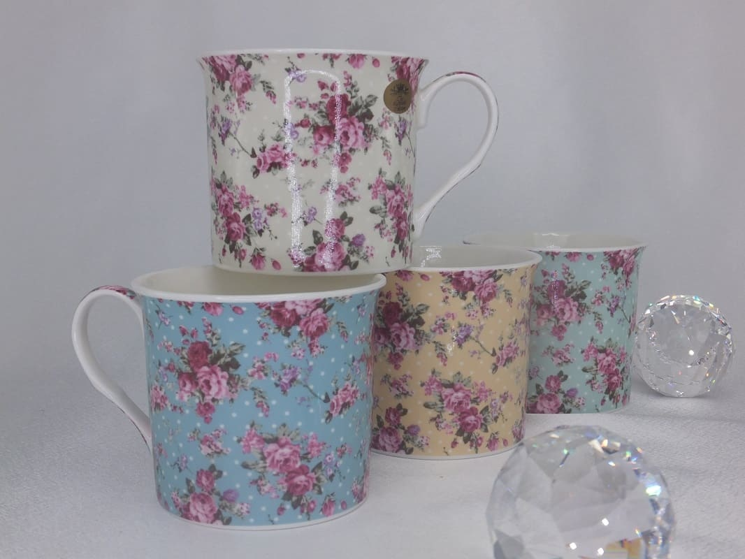 The Leonardo - cups set in 4 colors