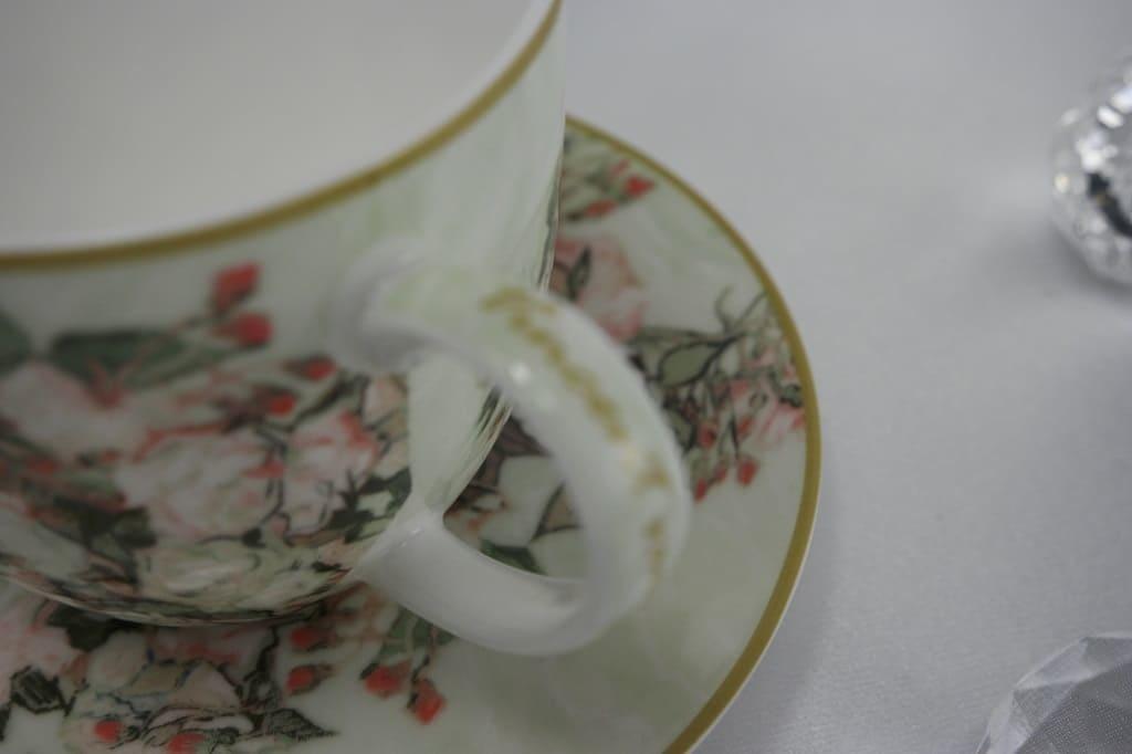 CARMANI - 1990 Vincent van Gogh - Vase mit Rosen - Kaffeetasse  mit Untertasse &  Geschenkbox