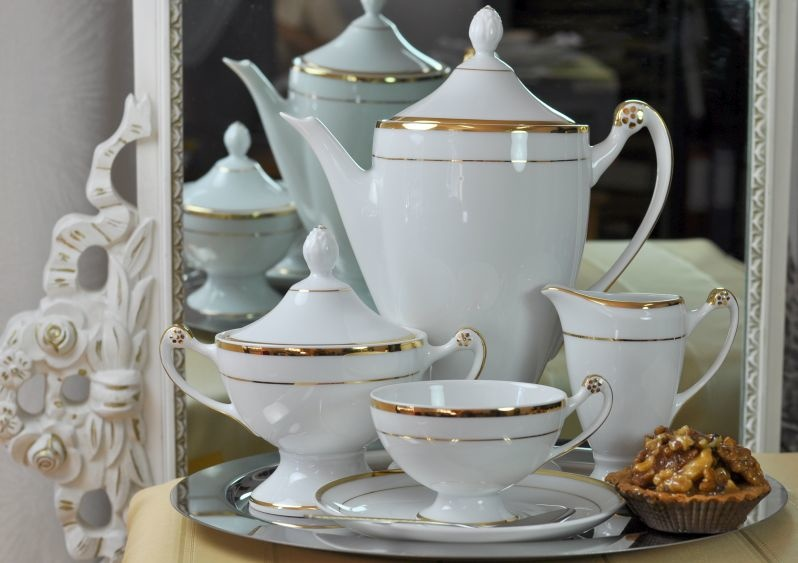 Cmielow - 1790 Glamor VI tea service with gold rim for 6 persons