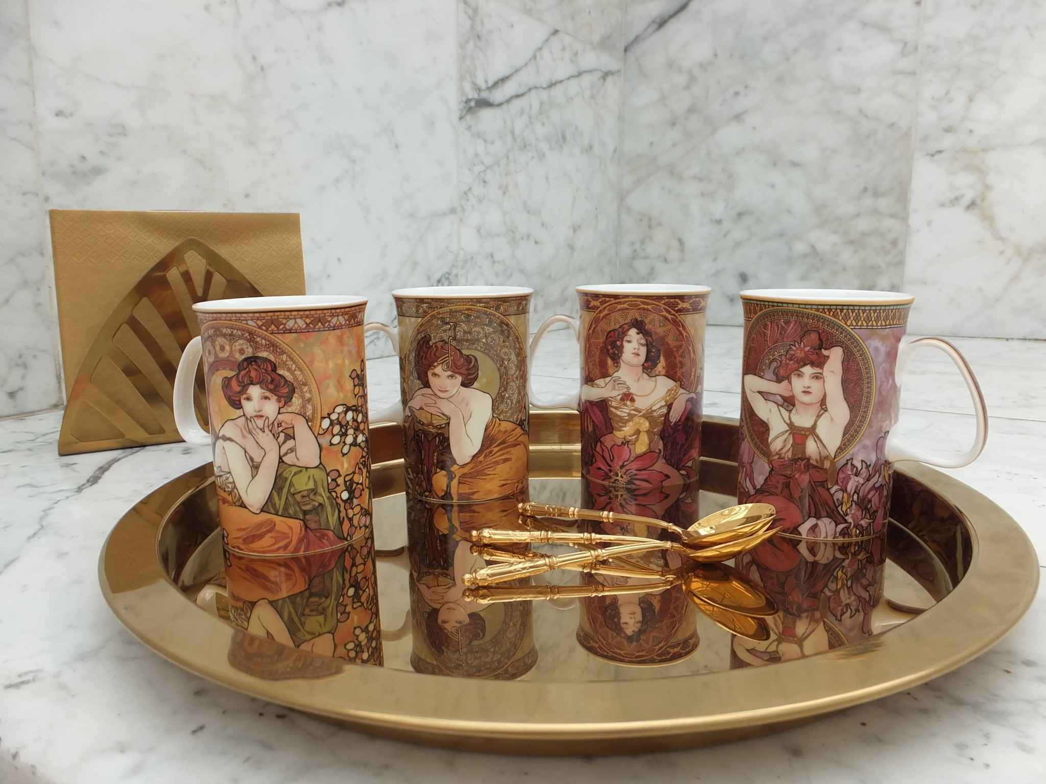 CARMANI - 1990 Alfons Mucha - The Precious Stones -Amethyst- coffee cup