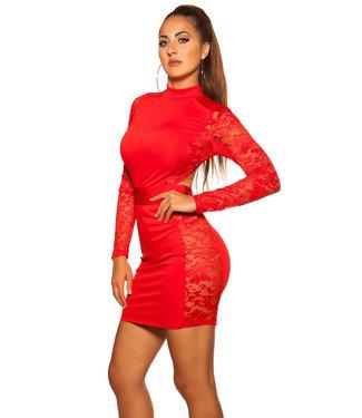 Rood jurkje met kant en open rug