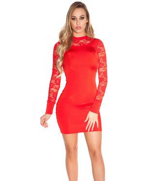 Rood jurkje met kanten hals en mouw