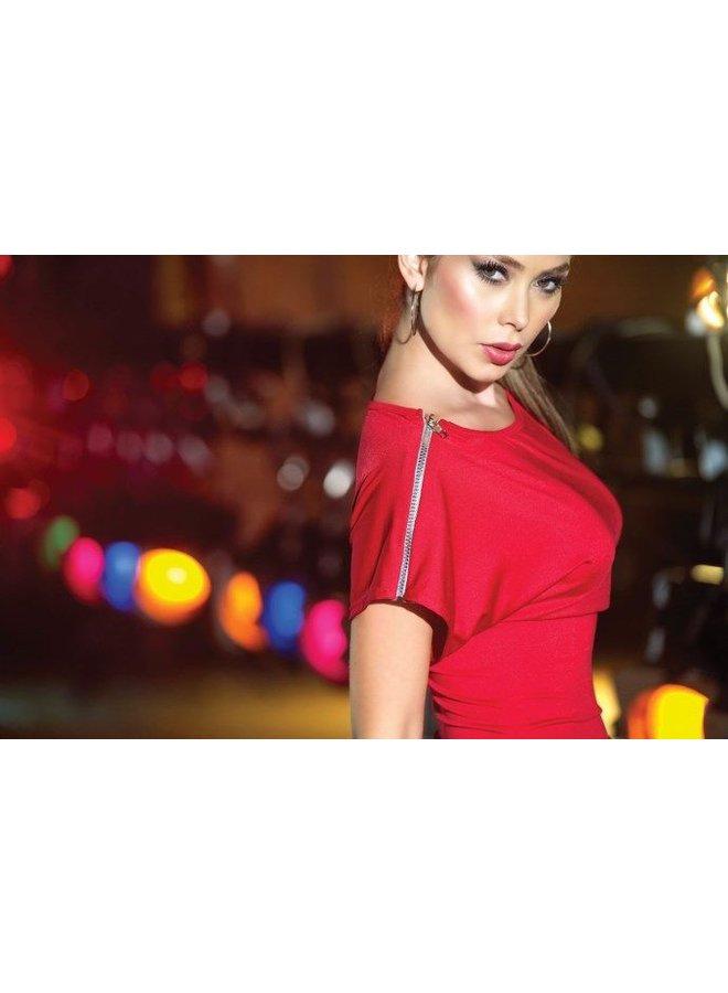 Rood jurkje met ritsjes op schouder
