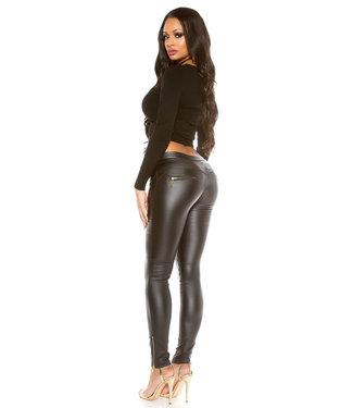 Zwarte leatherlook broek met ritsjes