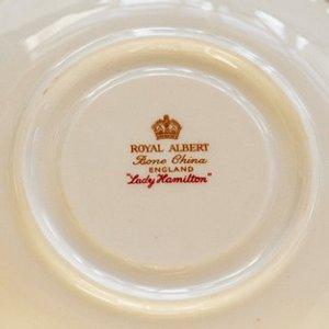 Antiek theekopje met kaars Royal Albert Lady Hamilton